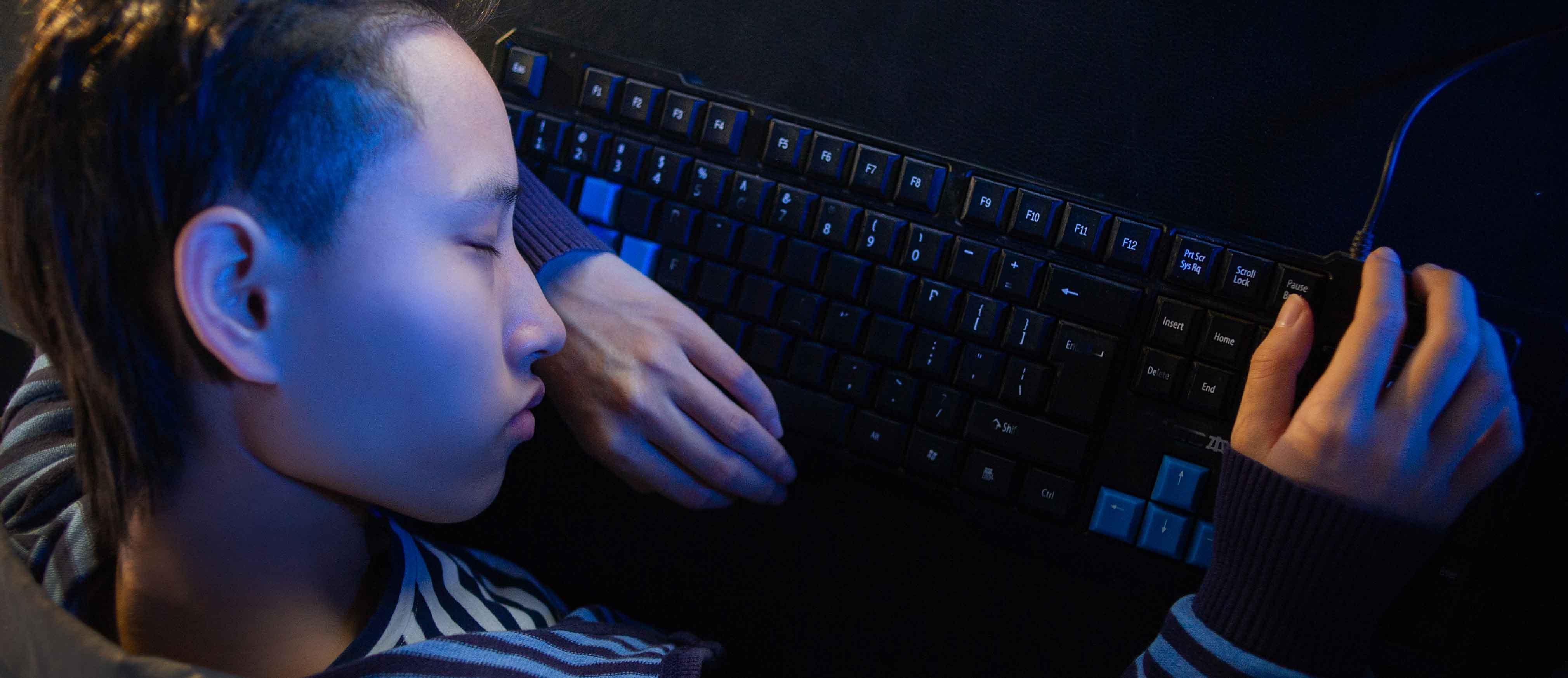赵晓微,在深圳创业2年,被磨掉字母的键盘已经换了六个。