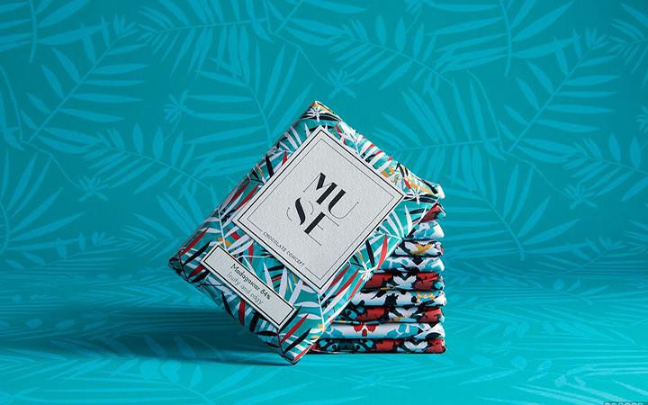 包装盒手提袋纸盒纸箱标贴手提袋设计封套标签不干胶手绘包装设计